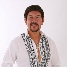 Ian Anthony as Tom Jones